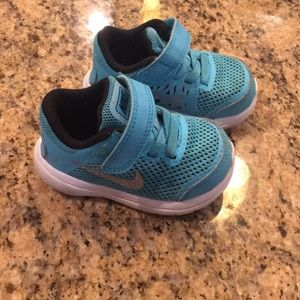 Size 4 Nike toddler sneakers
